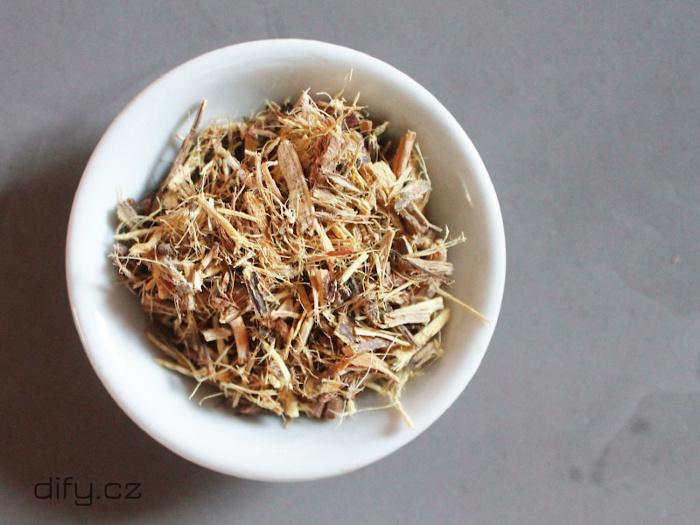 Drcená lékořice na přípravu čaje proti zánětům