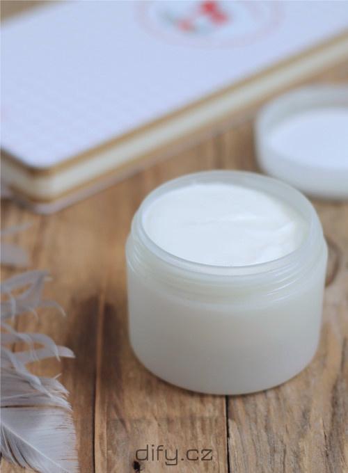 Recept na pleťový krém na zimu s kadidlem a grepem (přírodní diy kosmetika)