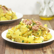 recept na španělský bramborový salát - papas aliñás