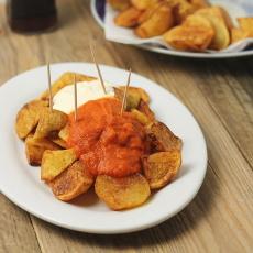 recept španělskou tapu divoké brambory - patatas bravas