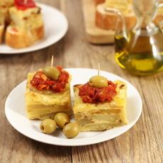 recept na španělskou tortilla de patatas s rajčatovou salsou